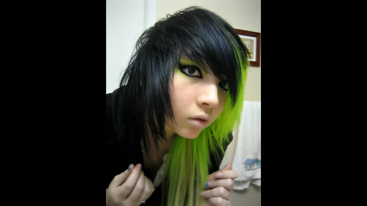 Tutorial Dying Hair Half Green Amp Black Youtube