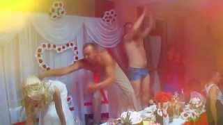 Невеста УПАЛА на свадебный стол. ПРИКОЛ  / Wedding fine