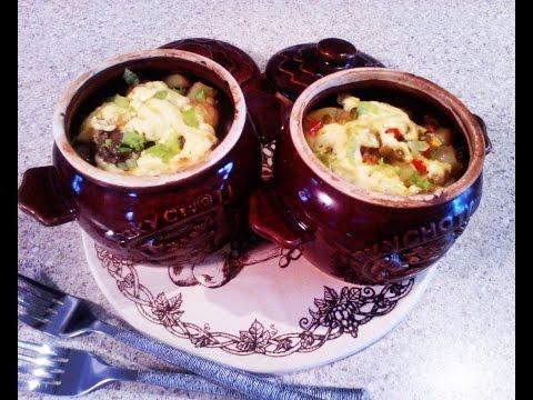 Рецепт: Куриное жаркое с грибами в горшочках на