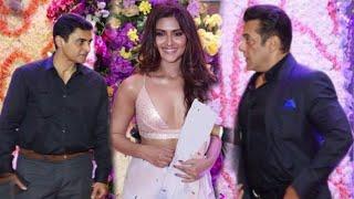 Salman Khan angry on Mohnish Bahl Daughter Pranutan Sooraj B Son Wedding Party | Notebook Heroine