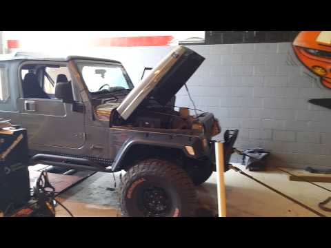 Cammed 5.3 Jeep Wrangler spinning the rollers