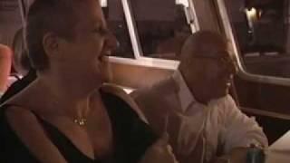 Repeat youtube video Documentaire sur les échangistes (Échangistes - part.2)