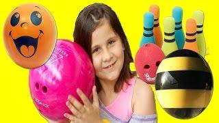 Ура! Анжела учится Играть в Боулинг #Где Отдохнуть с Ребенком/ Angela learns Play Bowling