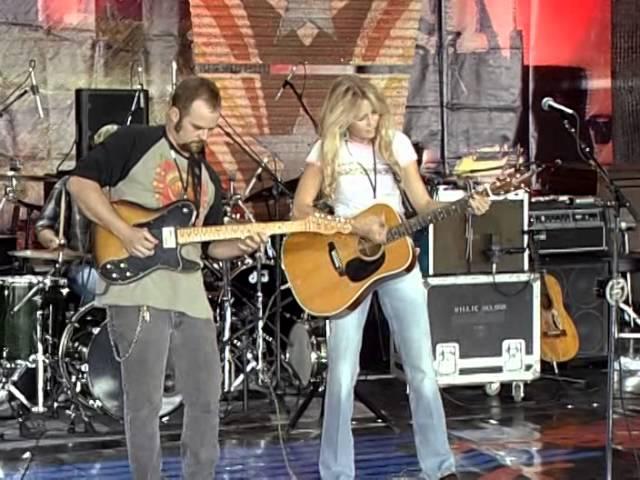 Pauline Reese - Cowboy Way (Live at Farm Aid 2006)