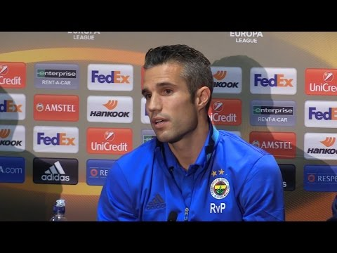 Robin van Persie Says He Could Still Be A Manchester United Player Had Sir Alex Ferguson Not Retired