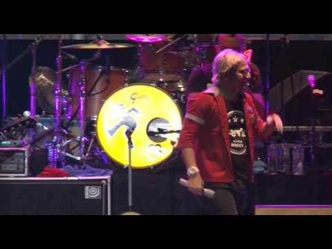 Pesta   Tipe x   Live Konser Tahun Baru 2017