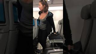 Drunk Woman Thrown Off Jet Blue Flight