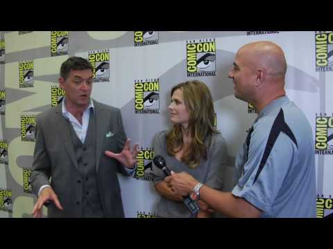 Maggie Lawson and Timothy Omundson (Lassiter and Juliet) interview for PSYCH Comic Con 2010