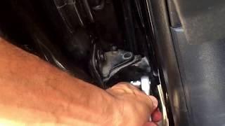 Résoudre un grincements de portière de voiture