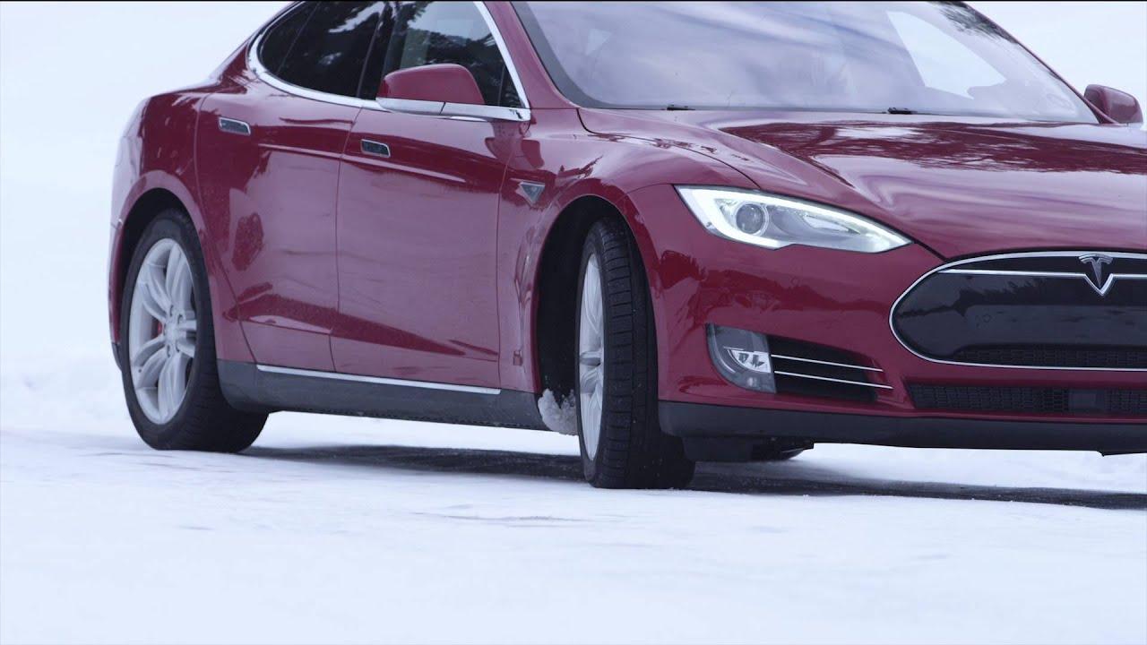 Customer video: Snow driving in Switzerland