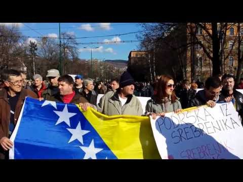 ▶ Bosnians in Sarajevo block the road with new protest marches.