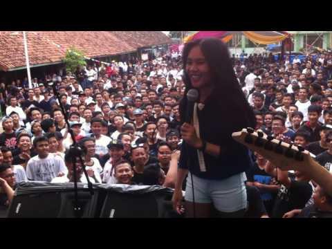 Live Perfomance Mistletoebandx - Paramore Thats What You Get (SMKN 2 BANDUNG)