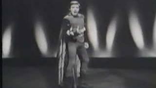 """Mario Del Monaco sings """"Di quella pira"""""""