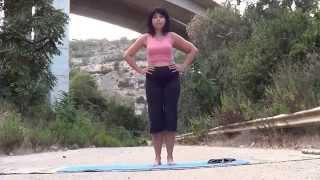 Зарядка для колен(Эти простые упражнения помогут Вам избавиться от болей в коленях.Данная тренировка поможет укрепить мышцы..., 2014-09-05T18:15:25.000Z)