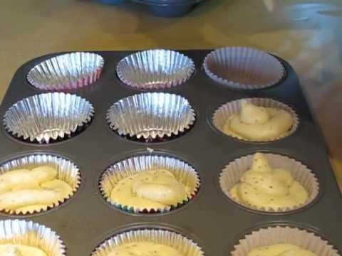 comment remplir facilement un moule muffins ou cupcakes. Black Bedroom Furniture Sets. Home Design Ideas