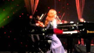 Tori Amos - Carry (Hammersmith Apollo, London, 03/11/2011)