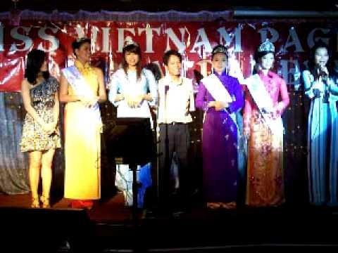 Fashion show & Karaoke