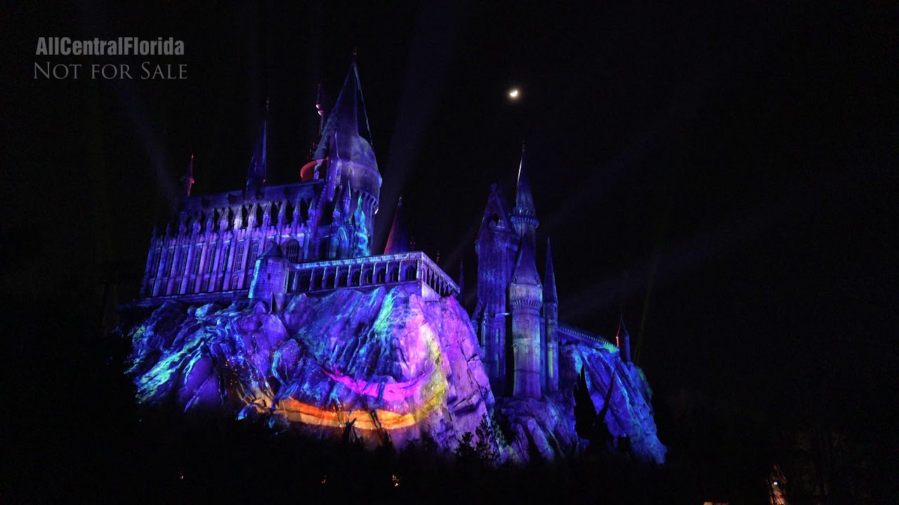 The Magic of Christmas at Hogwarts Castle (From the Harry Potter Bridge) |  Universal Orlando [4K]