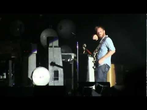 "The Black Keys- ""Run Right Back"" (720p HD) Live at Lollapalooza in Chicago on 8-3-2012"