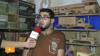 «سليم المدهون» شاب من غزة يصنع «أشكالاً فنية» بالخشب
