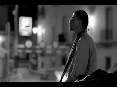 U2 - Moment Of Surrender mp3 baixar