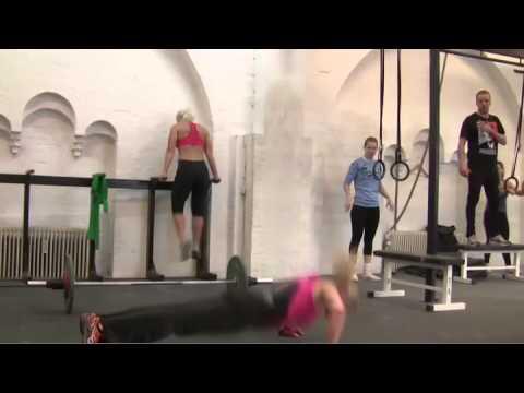 "CrossFit - Iceland Annie vs ""Angie"""