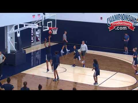 Geno Auriemma Teaches an Effective Offensive Set!