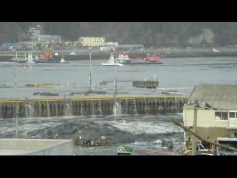 個人撮影 3月11日15時29分 津波 第1波 引き波 - YouTube
