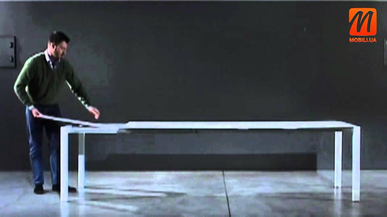 Столы из италии это мебель высочайшего качества, такие столы подойдут к интерьеру в стиле модерн. Купить итальянский обеденный стол в москве с доставкой по всей россии от интернет магазина лайфмебель. Стол трансформер dakota черный матовый (p15met) / стекло черное (gb). 116 176 р.