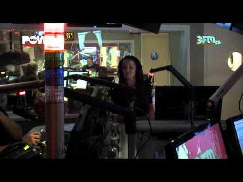 [3FM Stenders Late Vermaak] Freek interviewt Dominique Weesie 9-9-11