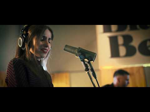 Veintiuno - Tu Nombre feat. Zahara (Videoclip Oficial)