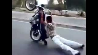 Don't Try This At Home, Lucu Atraksi Free Style Motor