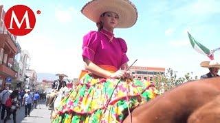 Charros celebran su día con desfile en Pachuca