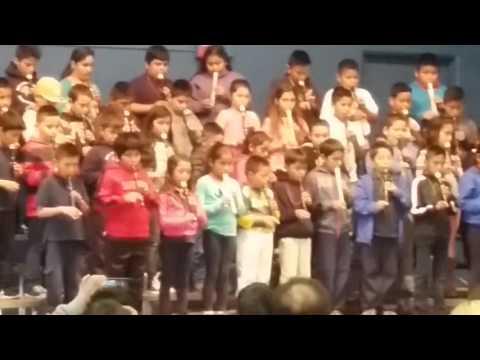 Video de alumnos del tercer grado del rey Woods elementary school on seaside California
