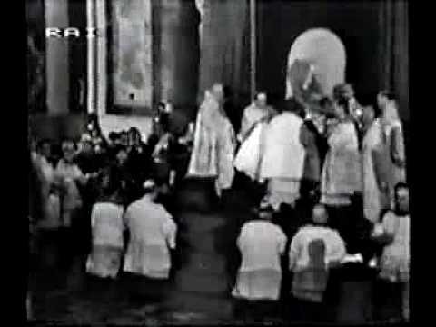 Papal Coronation 06 -Terce