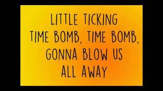 Waste A Moment - Kings of Leon (Lyric video)