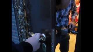 Входная металлическая дверь  Днепропетровск(Входные двери под заказ Двери т.м Новый Мир г.Новая Каховка Бронированные двери Металлические двери Двери..., 2012-01-12T20:28:55.000Z)