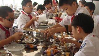 Bắt quả thực phẩm bẩn được đưa vào bếp ăn trường học