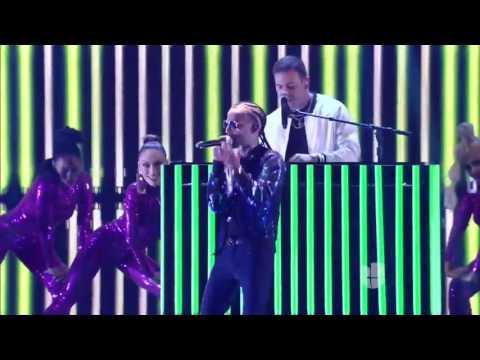 Chris Jeday se unió a J Balvin, Arcangel y Ozuna para cantar Ahora Dice   Premios Juventud