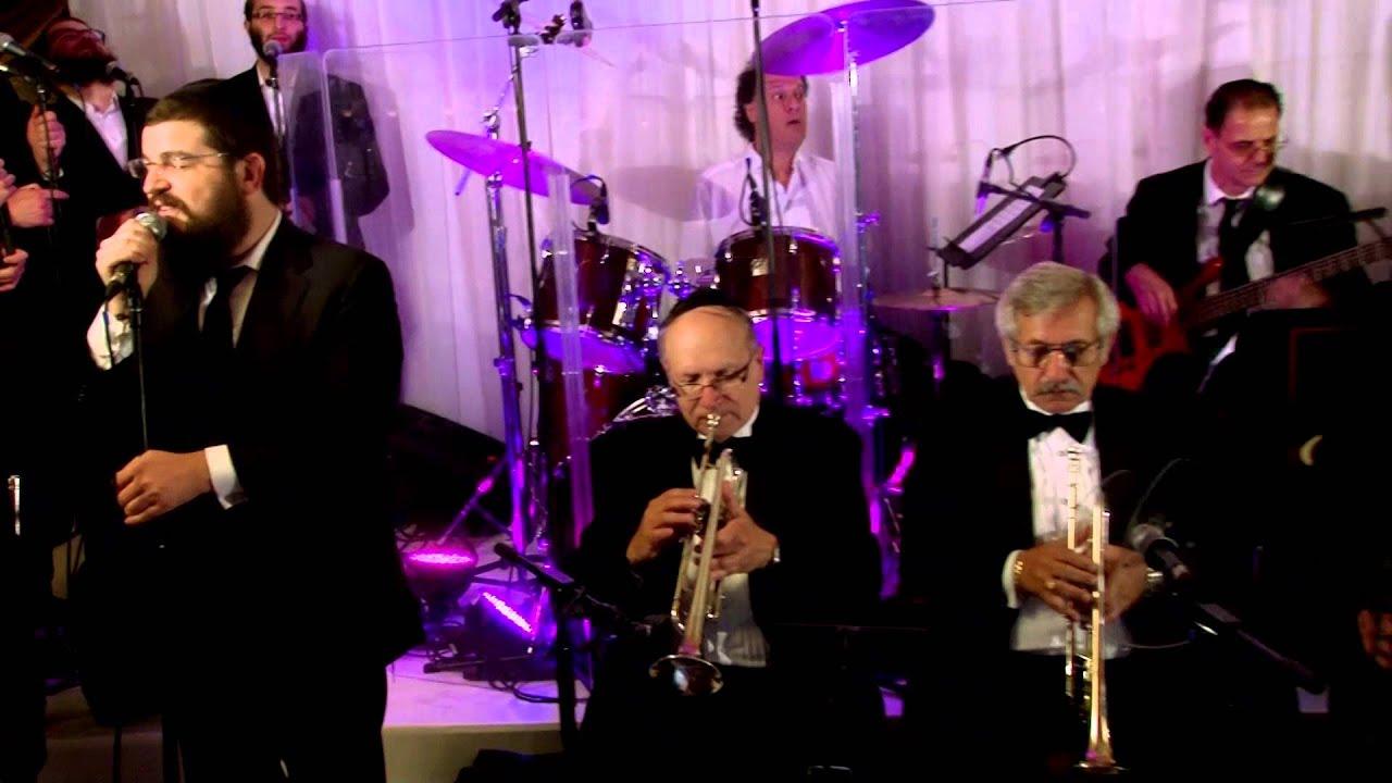 Benny Friedman & Yedidim Choir - Aaron Teitelbaum Production - בני פרידמן וידידים - ואפילו בהסתרה