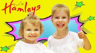 #HAIRDORABLES Величезний магазин іграшок Хемліс в Дубаї! Розпакування ляльки Хеирдораблс! 0+