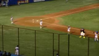 2009年10月8日、神宮球場での東京ヤクルトスワローズvs阪神タイガース戦...