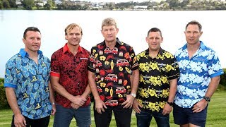 Super Rugby coaches battle it out in backyard cricket