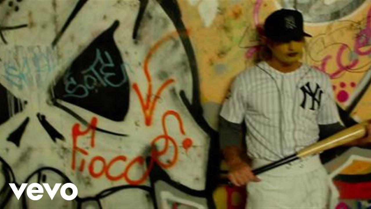 Gemelli diversi spaghetti funk is dead videoclip ft j - Gemelli diversi fratello j ax ...