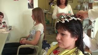 6048 Trailer Teen Long Hair Shampoo And Set And Updo