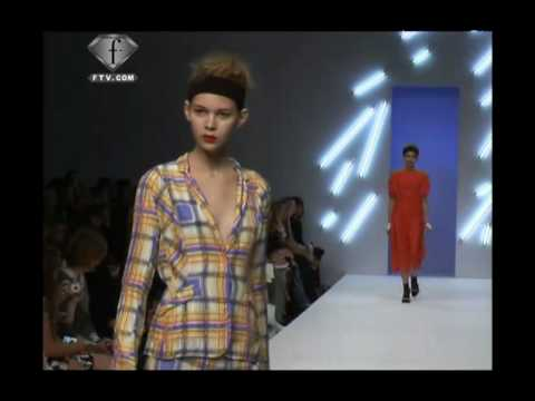 fashiontv | FTV.com - BETTY JACKSON LONDON FW S/S 2009 SHOW BEFORE/FRONT/AFTER