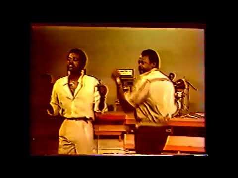 Soki Vangu & Emile Soki Dianzenza  & l'Orchestre Bella Bella