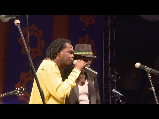 Mokoomba ft Baaba Maal at HIFA 2013