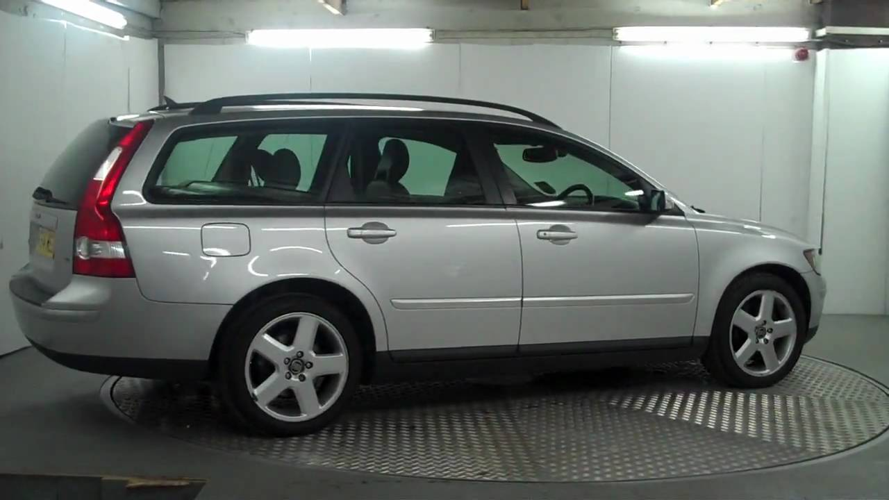 2004 39 54 39 volvo v50 estate youtube. Black Bedroom Furniture Sets. Home Design Ideas