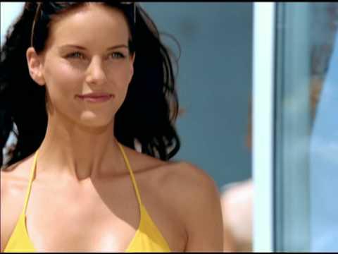Zoe Scott Sings Venus/Gilette Commercial !